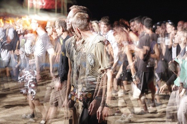 Unruhen und Plünderungen,City Survival, Urban Survival,EDC Ausrüstung, Effektive Selbstverteidigung, Gray Man Ausrüstung, Gray Man Bug Out Bag, Gray Man Conzept, Gray Man Rucksack, Putsch, Unruhen, Naturkatastrophe im Urlaubsland, Reisen als Gray Man, Urban Survival