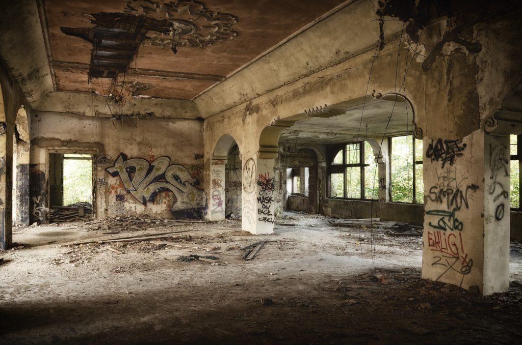 Ruine Schlafplatz finden, Unruhen und Plünderungen,City Survival, Urban Survival,EDC Ausrüstung