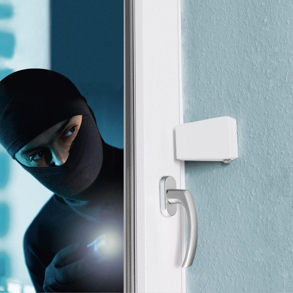 Schutz vor Plünderungen  , Fensterschnapper, Geniales System zur Sicherung von Fenstern Alle 3 Minuten passiert in Deutschland ein Einbruch – jedes Mal wieder ein Alptraum für Mieter und Hausbesitzer.